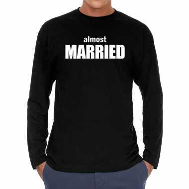 Almost married vrijgezellen long sleeve t shirt zwart heren