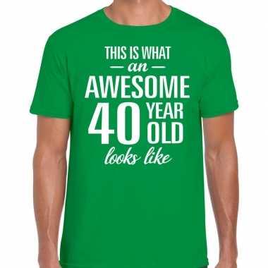 Awesome year / jaar cadeau t shirt groen heren