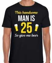 Verjaardag cadeau t shirt jaar this handsome man is give beer zwart heren 10275247