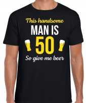Verjaardag cadeau t shirt jaar this handsome man is give beer zwart heren 10275250